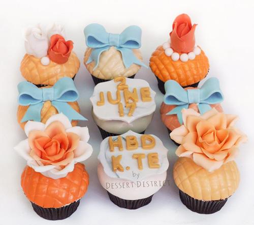 Elegant Flower fondant cupcake